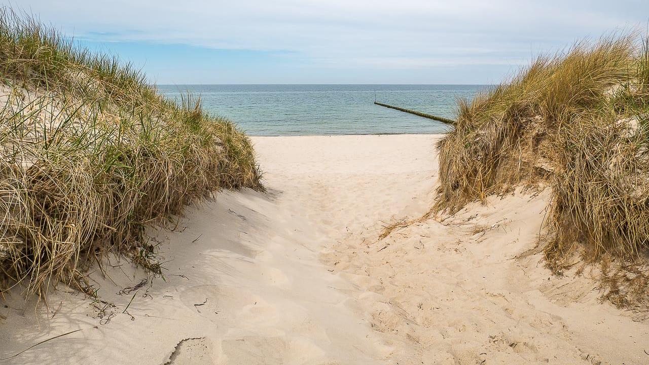 Nackt an Nordsee und Ostsee: Die schönsten FKK-Strände